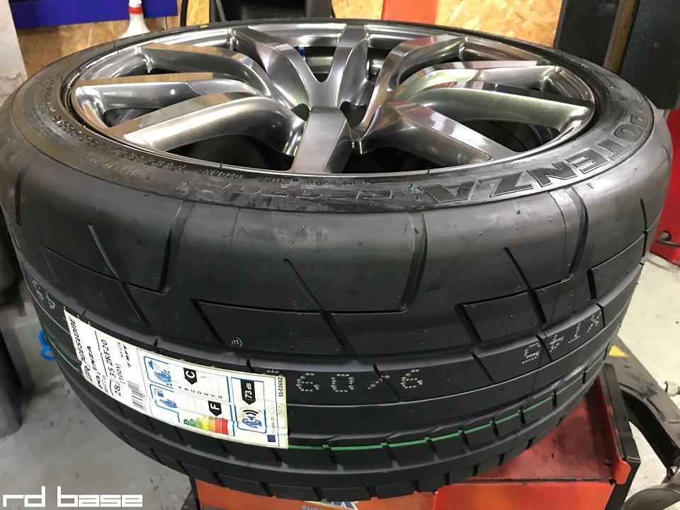 35GT-R タイヤ交換