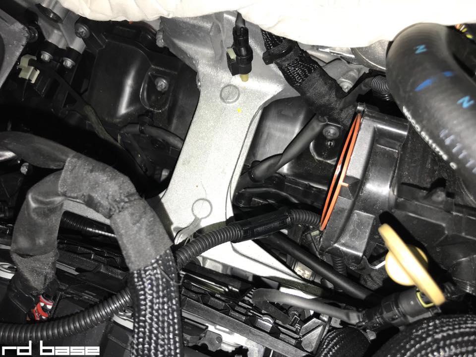 W205 にカプラーオンでお手軽にパワーアップできるPPEを装着‼︎