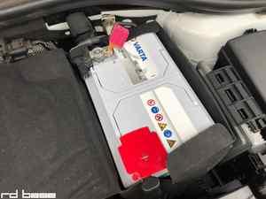 バッテリーあがりでAUDI A3 8V入庫