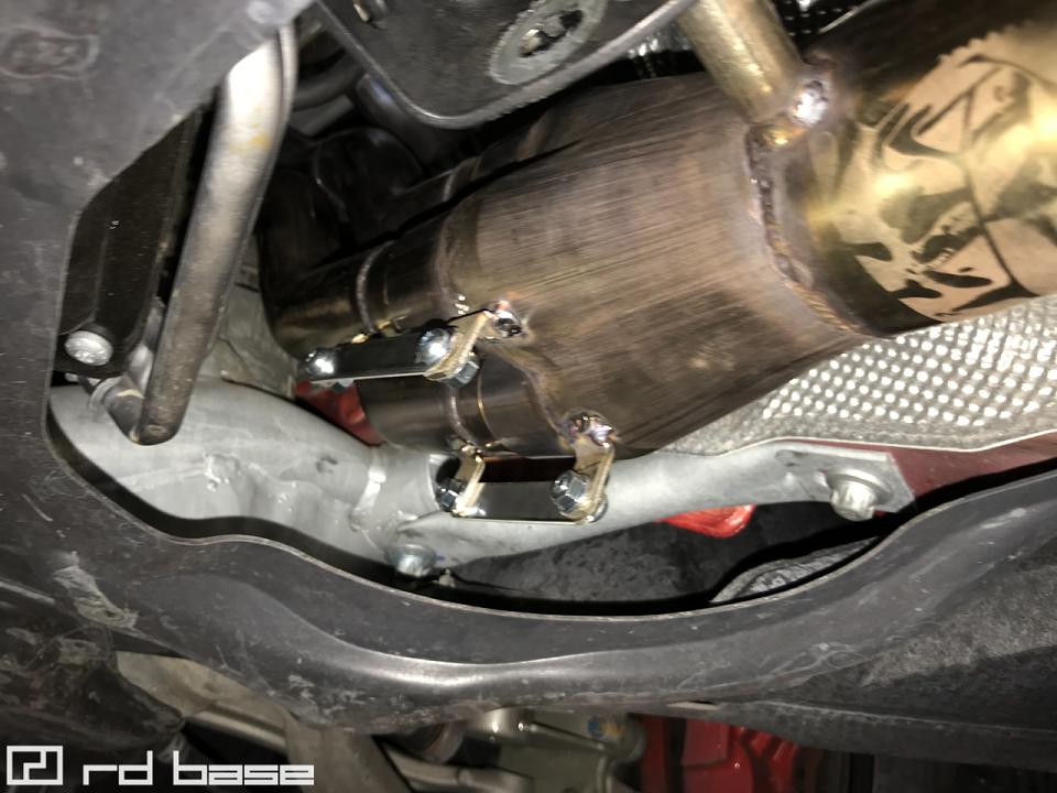 AMG C63 ブラックシリーズ エキマニ交換にmcchip-dkrにてDMEチューニング!