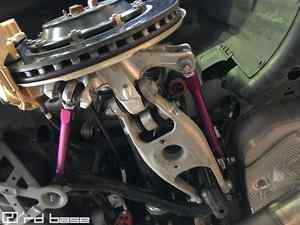 BMW M4 チャンピョンエディションにKWトーコントロールアームを2セット取付‼︎