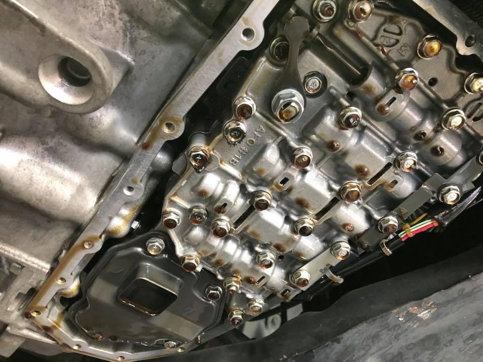 NISSAN セレナ CVTフルード・フィルターに、エンジンオイル交換・クーラント漏れ修理‼︎
