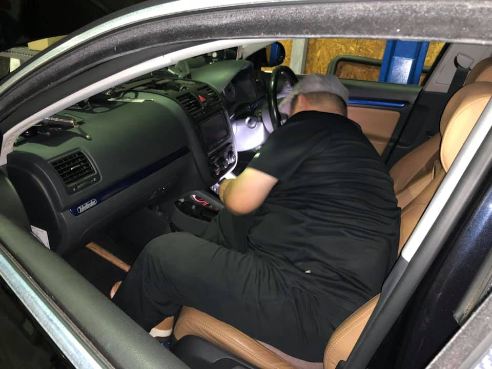 VW JETTA 保険修理の板金が完成‼︎