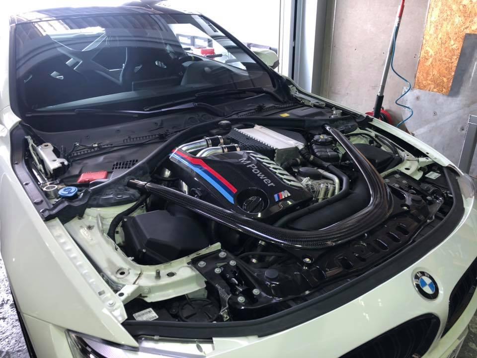 M4またまたボンネット交換 X GOLF GTI車検整備!