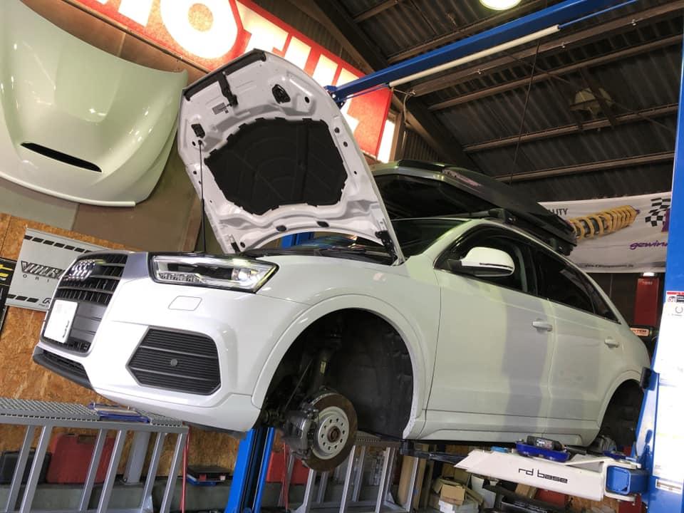 AUDI Q3 X BMW MINI!
