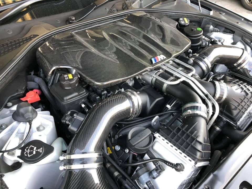 ワンオフマフラーにRAYS G16にパッドやエンジンカバー!
