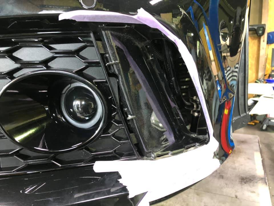 AUDI RS7 サイドダクト カーボン加工!