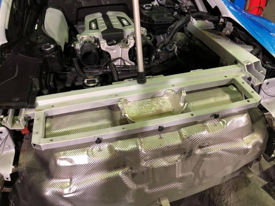 AUDI R8 まずはマフラー交換から!