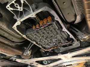 Panamera GTSさん PDKフィルター・フルード交換にリアデフオイル交換にワンオフマフラー製作!
