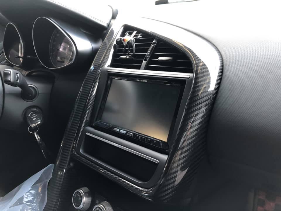 AUDI R8 タイヤ交換!