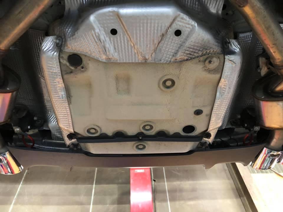S4 AVANTにHIGHSPARKポジティブターミナルにHIGHSPARKノイズリダクションマフラーケーブルを装着!