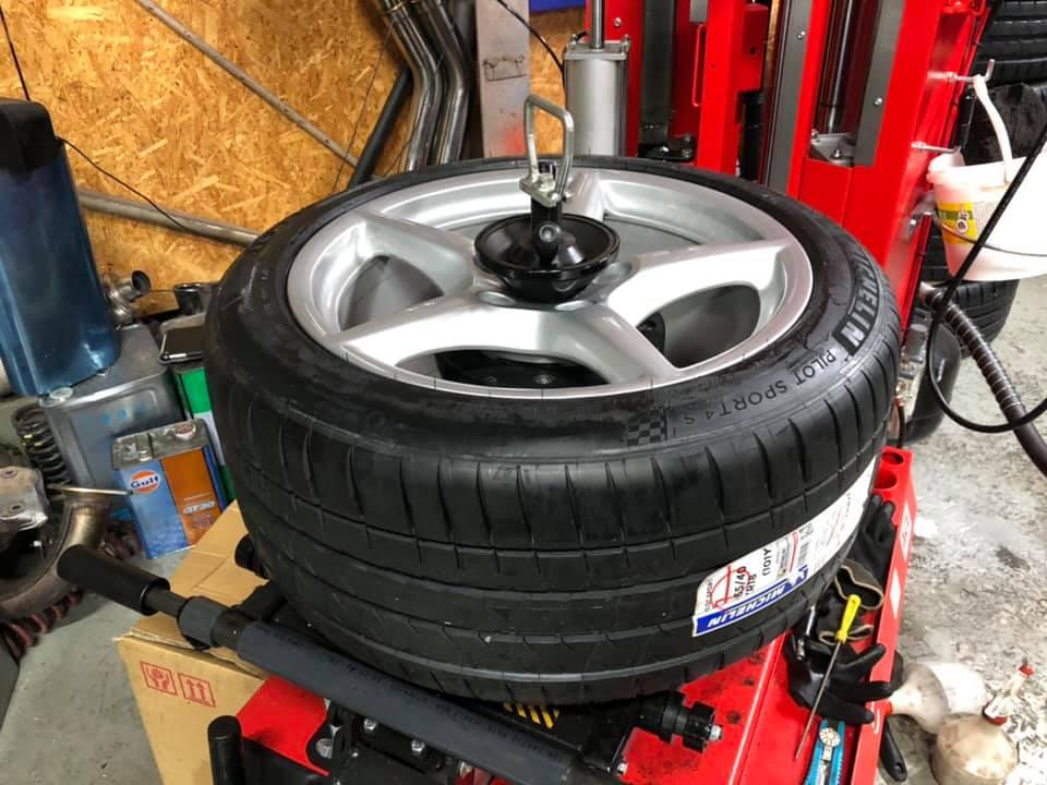 PORSCHE 997 サスペンション・タイヤ交換!