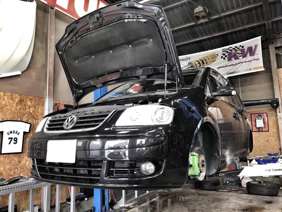 GOLF6R  X  VW TOURAN!