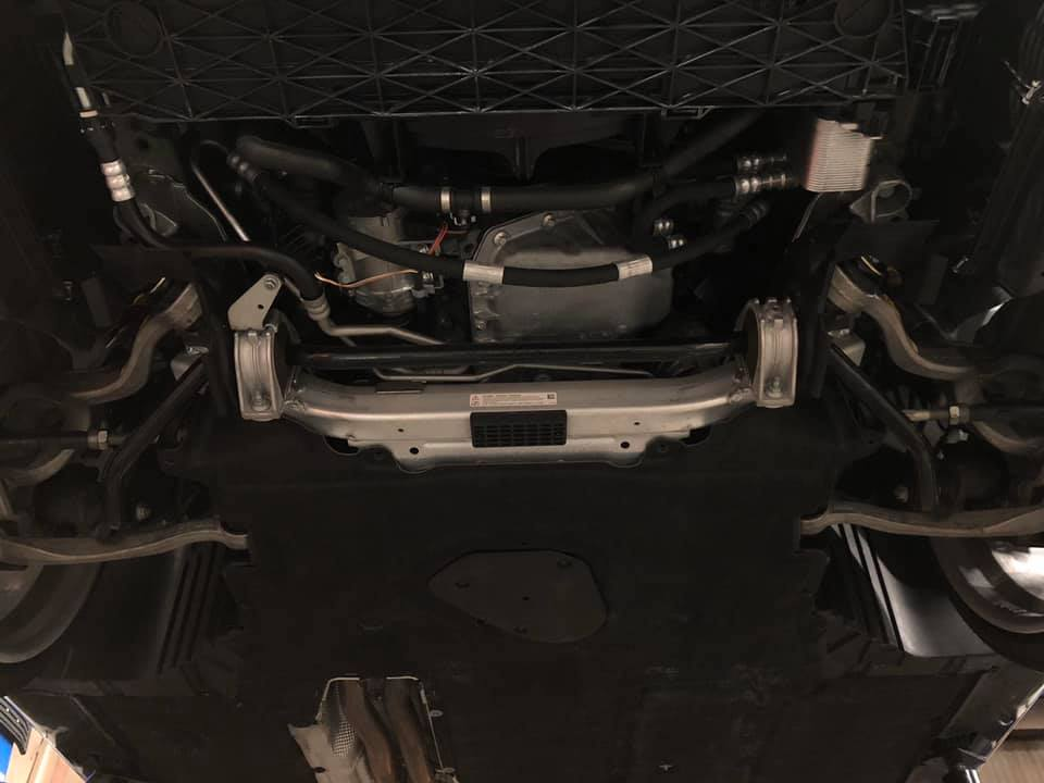 BWM E60 プルストラットアームとロアアームのブッシュを強化タイプに交換!