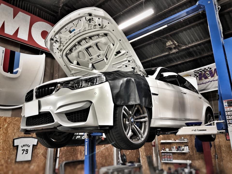 BMW F80M3  X  ダウンパイプにパワクラマフラー!