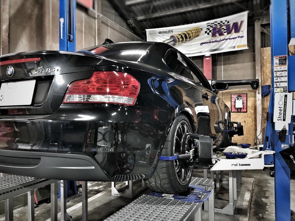 BMW 135iさん持ち込みのマウントパーツの取付!