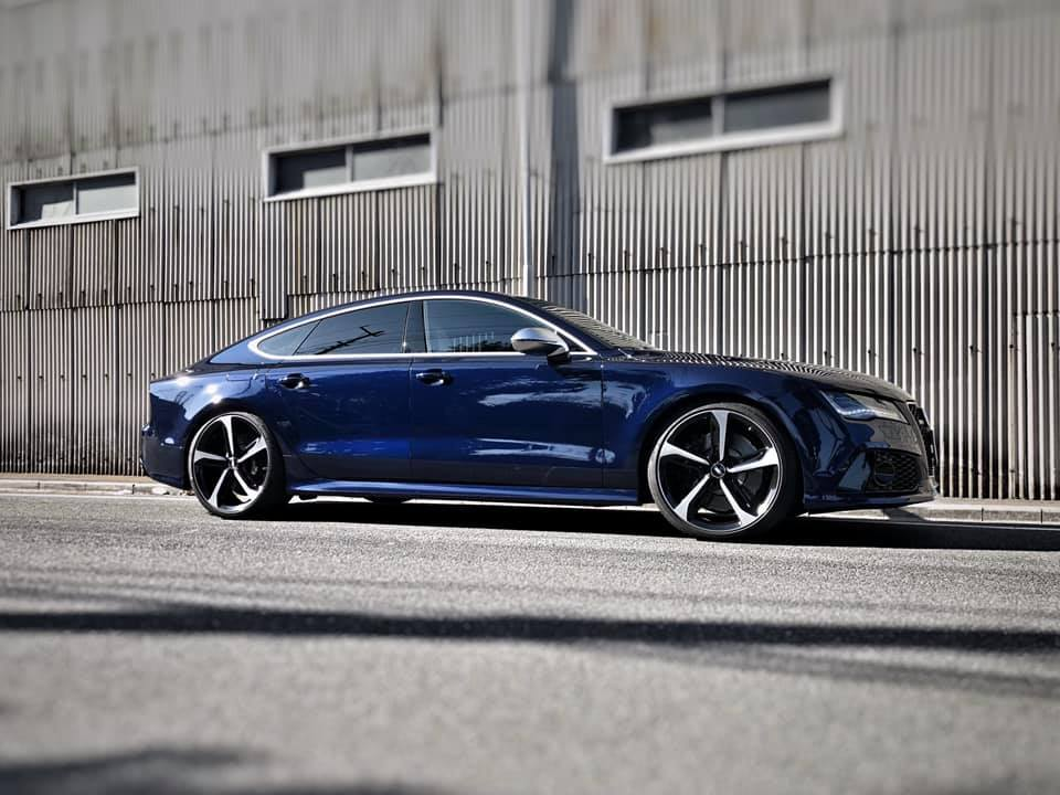 AUDI RS7にKW HAS取付!