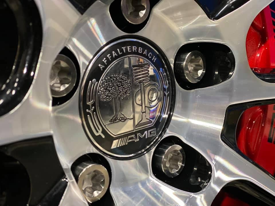 AMG GTSに最軽量FORGED TITANIUM スリーブ付きホイールボルト取付!