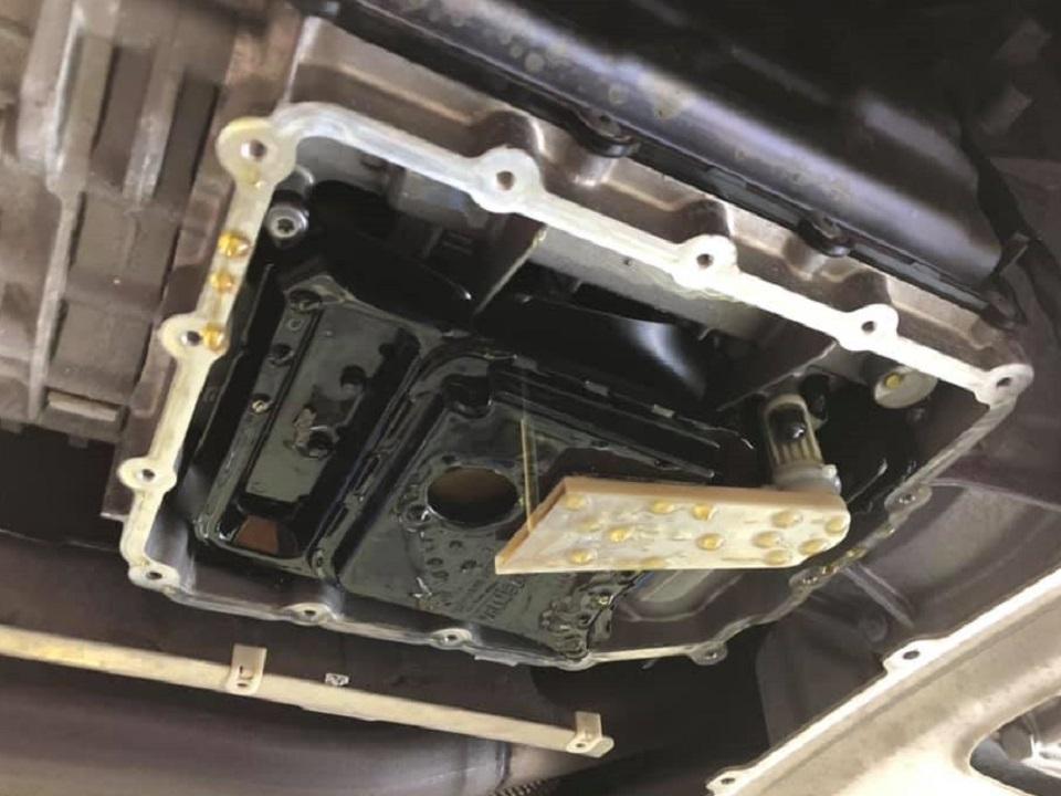 F06M6  X  ALFA ROMEO GIULIA 作業同時進行中!