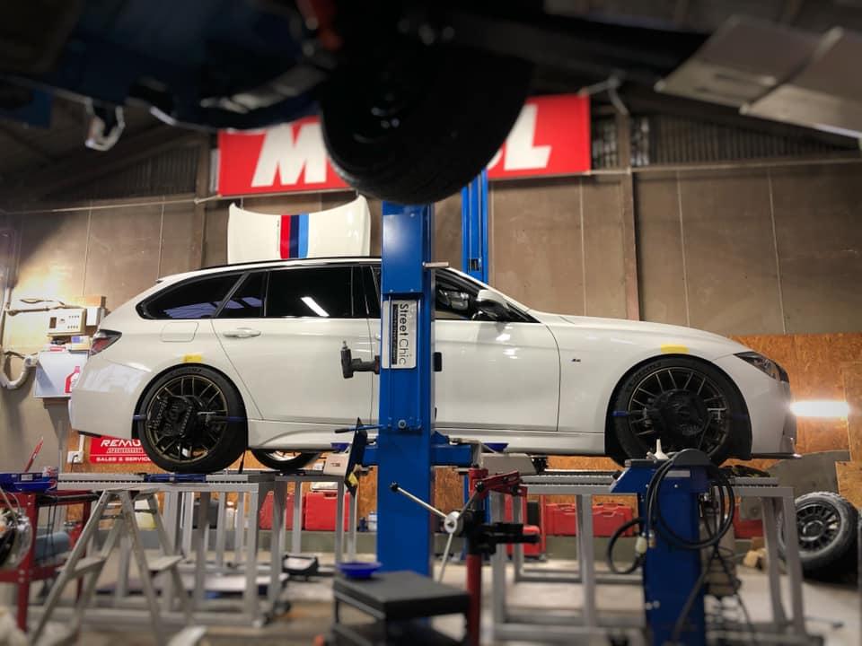 BMW F31 アライメント調整にワンオフマフラー制作!