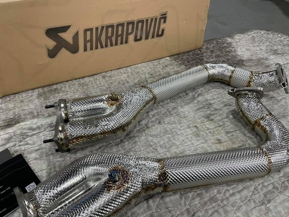 718 Spyder  X  Akrapovic!