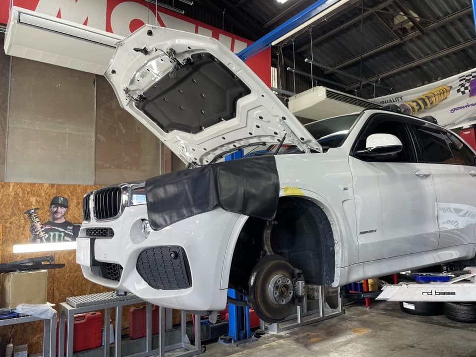 BMW X5  X  H&R!